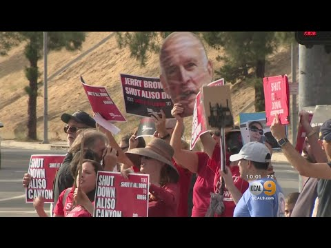 Protestors March To Block SoCalGas From Reopening Aliso Canyon Facility
