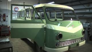 """Rīgas Motormuzejā -- Latvijā Ražotais Un Pilnībā Atjaunotais RAF-977E """"Latvija\"""