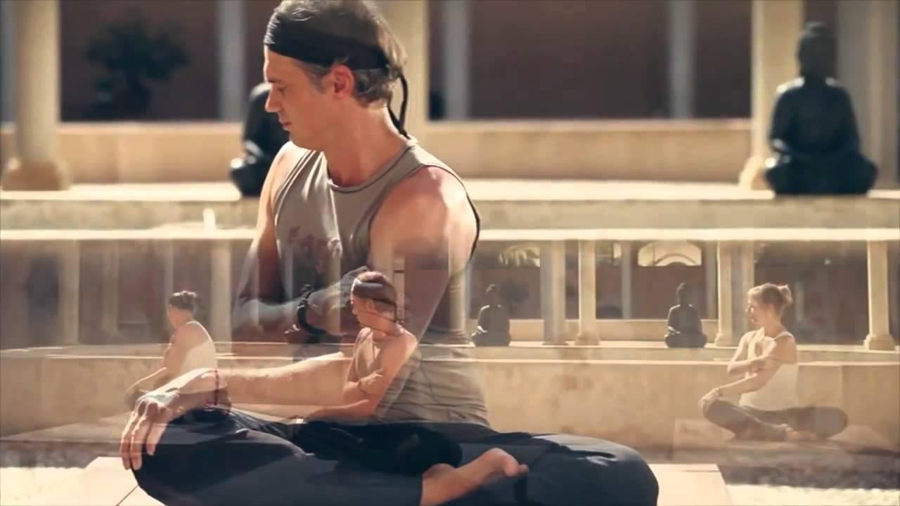 fitnessraum de lu jong yoga mit ralf bauer youtube. Black Bedroom Furniture Sets. Home Design Ideas
