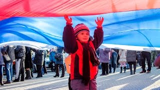 Какой цвет выбирает Севастополь. 2015 - год надежды(Севастополь прожил ещё один год в составе России. В 2015 году закончился переходный период, мы отметили перву..., 2016-01-02T17:46:23.000Z)