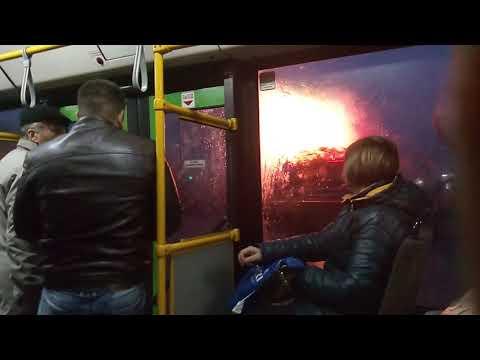 """Вечерняя поездка на автобусе """"МАЗ 105""""в Витебске"""