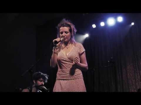 """Roosbeef, """"Vergis ik mij"""" live op Dranouter 2013"""