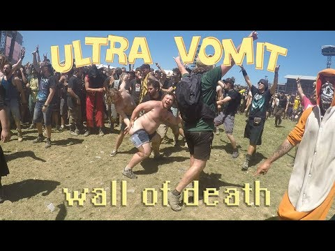 ULTRA VOMIT - WALL OF DEATH - PIPI VS CACA [ HELLFEST 2017 ]