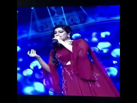 Lovely!! Shreya Ghoshal Singing Mersal Neethanae on Stage 😍