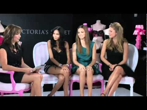 Fashion's Night Out 2010 with Victoria's Secret Models
