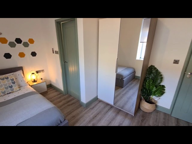 ENSUITE 5* Double Bedroom with Netflix and bills B Main Photo