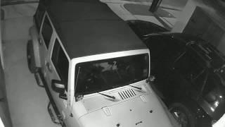 لص يسرق جيب رانجلر عن طريق كمبيوتر محمول!