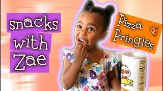 Kid Eating Pizza Pringles - Snacks With Zae