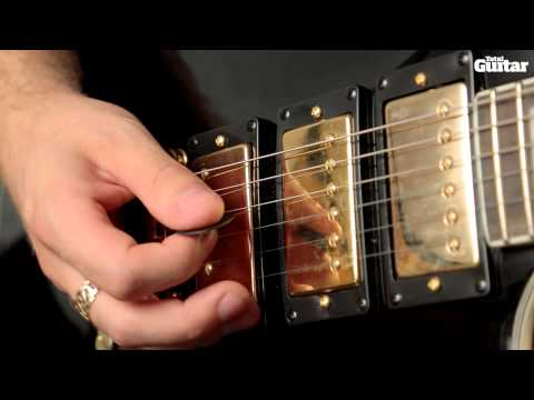 Weekend Riff: How to play The Killers - Mr Brightside (intro/verse riff)