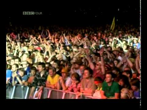Neil Young - Keep On Rocking In The Free World / Day In The Life - Glastonbury 2009