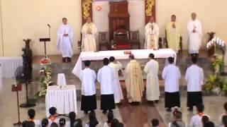 Thánh Lễ nhậm chức Giám Quản Giáo phân Phan Thiết.- RƯỚC  NHÂP LỄ.