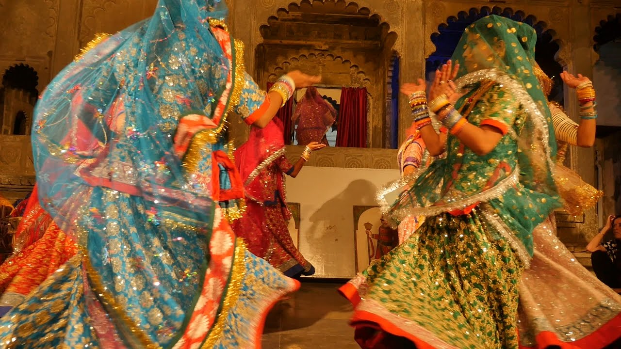 Rajasthani Ghoomar Dance Ghumar.Indian Woman Tr...
