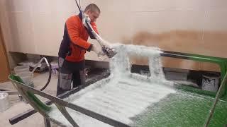 Стеклопластик GRACO Fiberglass(Напыление стеклопластика. Смола Ashland марка m105tb, стеклоровинг Jushi 2400 tex. Coated fiberglass Сайт http://composite.ru/ Группа..., 2016-05-22T19:10:27.000Z)