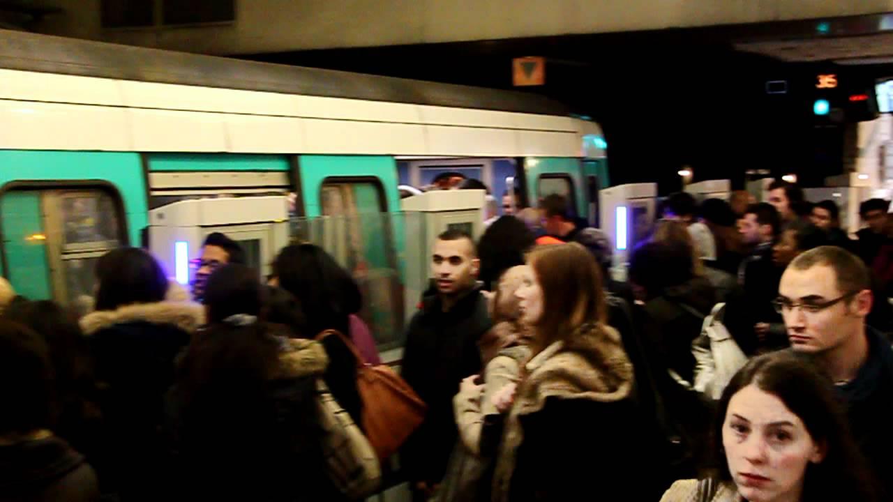 metro ligne 13 paris saint lazare heure de pointe 2012 youtube. Black Bedroom Furniture Sets. Home Design Ideas