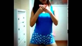 Download Video goyang hot dan seksi di kamar sendiri MP3 3GP MP4