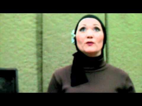 Grey Gardens - The Edies Disagree