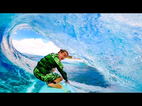 PERFECT BARRELS AT BANZAI PIPELINE  (POINT OF VIEW)