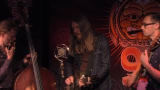 """Wood Brothers  """"Keep Me Around"""" (Live in Sun King Studio 92 Powered By Teachers Credit Union)"""