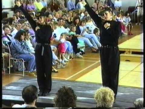 MAYFIELD SCHOOL FASHION SPECTACULAR 1990