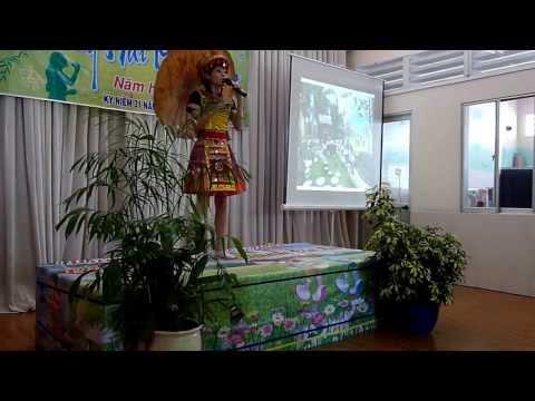 Từ rừng xanh cháu về thăm lăng Bác cô Nguyễn Thị Ly