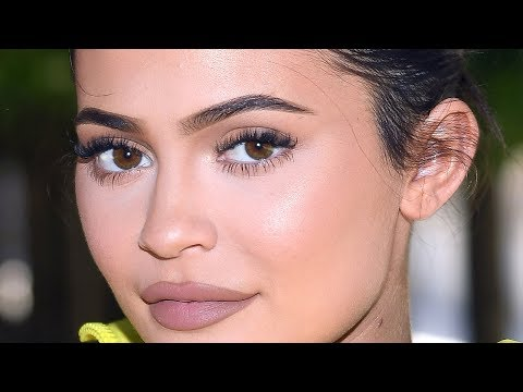 Kylie Jenner DEFENDS Travis Scott Over This!