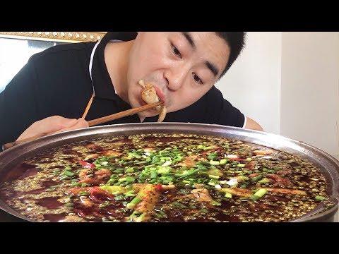 """【超小厨】花椒2两+牛蛙4斤,做""""麻辣水煮牛蛙""""又麻又辣,吃的好爽阿,安逸!"""