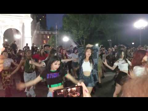 (G)I-DLE ((여자)아이들) LATATA Flash Mob In NYC 180804 Fancam