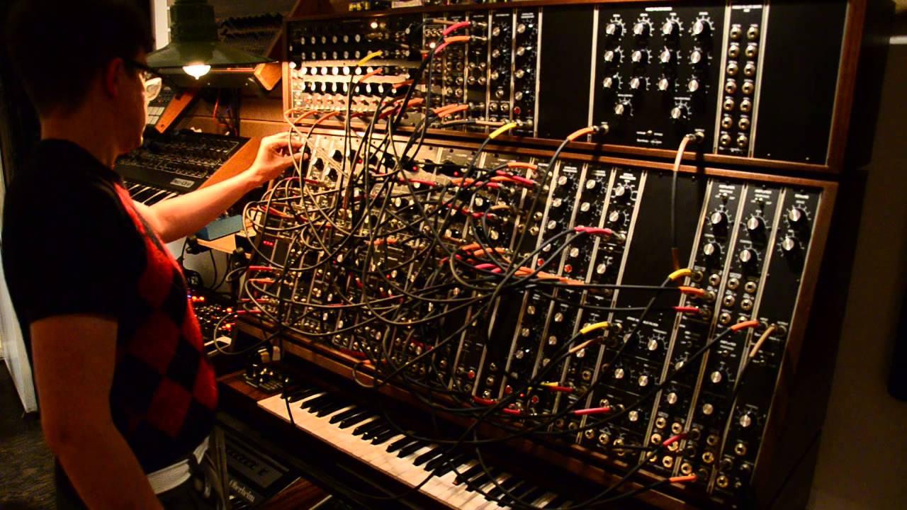Synthesizers.com Modular Adventure - YouTube