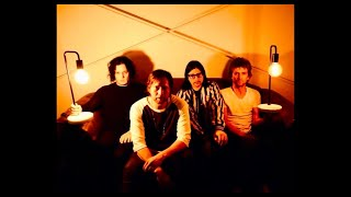 Shine The Light On Me - The Raconteurs (lyrics)
