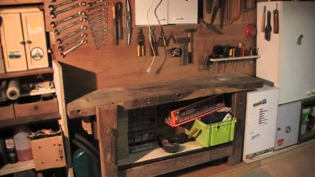 amenagement de garage en atelier de bricolage 12 youtube. Black Bedroom Furniture Sets. Home Design Ideas
