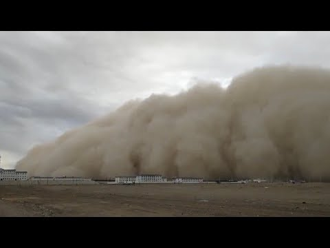 0b5adf78afad Apocalyptic sandstorm sweeps across northwest China