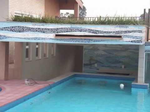 Mosaicos para bar cascatas e ducha de piscina youtube for Duchas para piscina