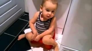 Смешной малыш поет песню видео дети(, 2015-04-17T15:17:32.000Z)