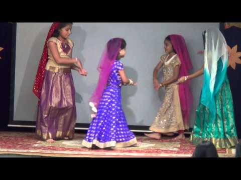Aaj Gokulat -Riya Joshi and friends
