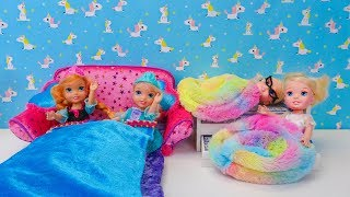 Elsa and Anna toddlers sleepover with their friends