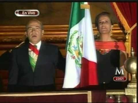 Felipe Calderón da el 'grito' en el Zócalo