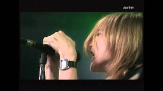 Beth Gibbons. Paleo 2003. (HD) 8. Being Nervous, Funny Time of Year (Live)