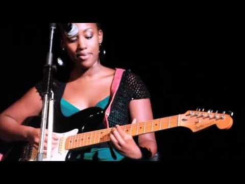 "C'est l'amour - Diana ""Dee"" Mayonde Nduba Live at ""Sara Mitaru In Concert"""