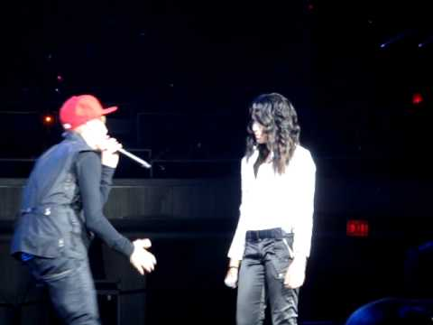 """""""Overboard"""" Performed Live By Justin Bieber And Surprise Guest Jasmine Villegas In Honolulu, Hawaii"""
