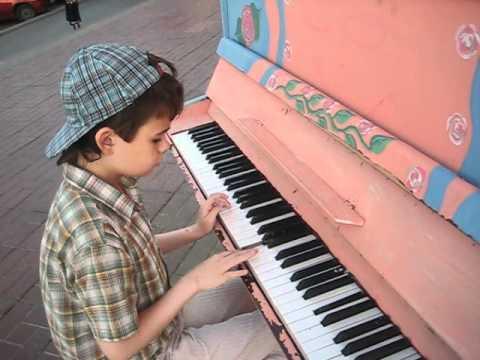 'Одинокий пастух' на пианино.