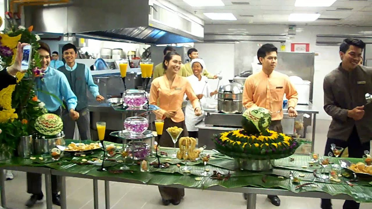 What Goes On In A Famous 5 Star Hotel Kitchen In Hua Hin Thailand Youtube
