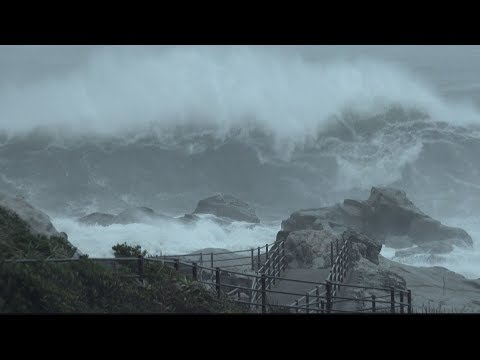 Typhoon Shanshan Rough Seas Batter Japan Coast 台風第13号千葉県銚子