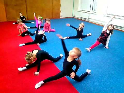 how to stretch your splits kids 35 years  youtube