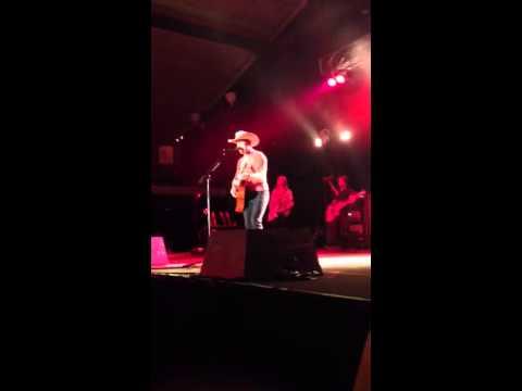Dustin Lynch What You Wanna Hear Live