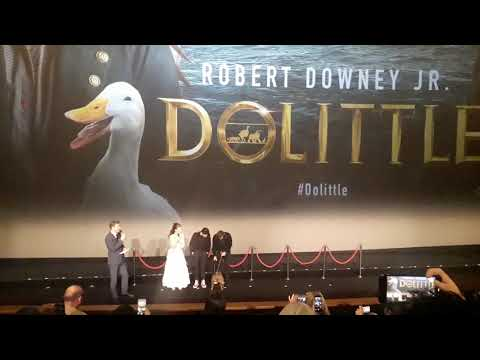 She does WHAT?????? /  Dolittle UK premiere / Robert Downey is shocked by Emma Thompson