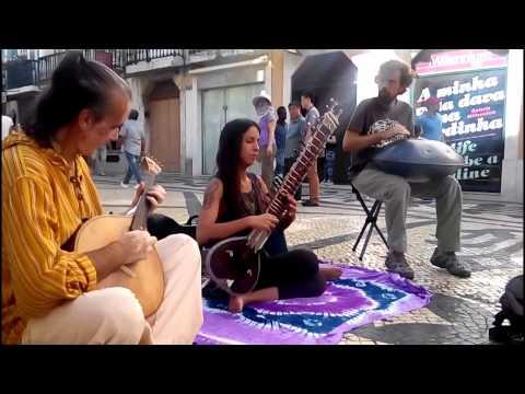 Sitar, Handpan and Portuguese Guitar Improv at Rua Augusta (Lisbon, Portugal)