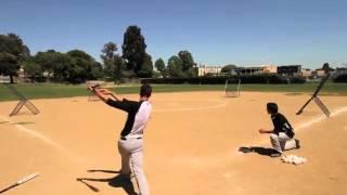 Бейсбольный трюк с мячом или видеомонтаж