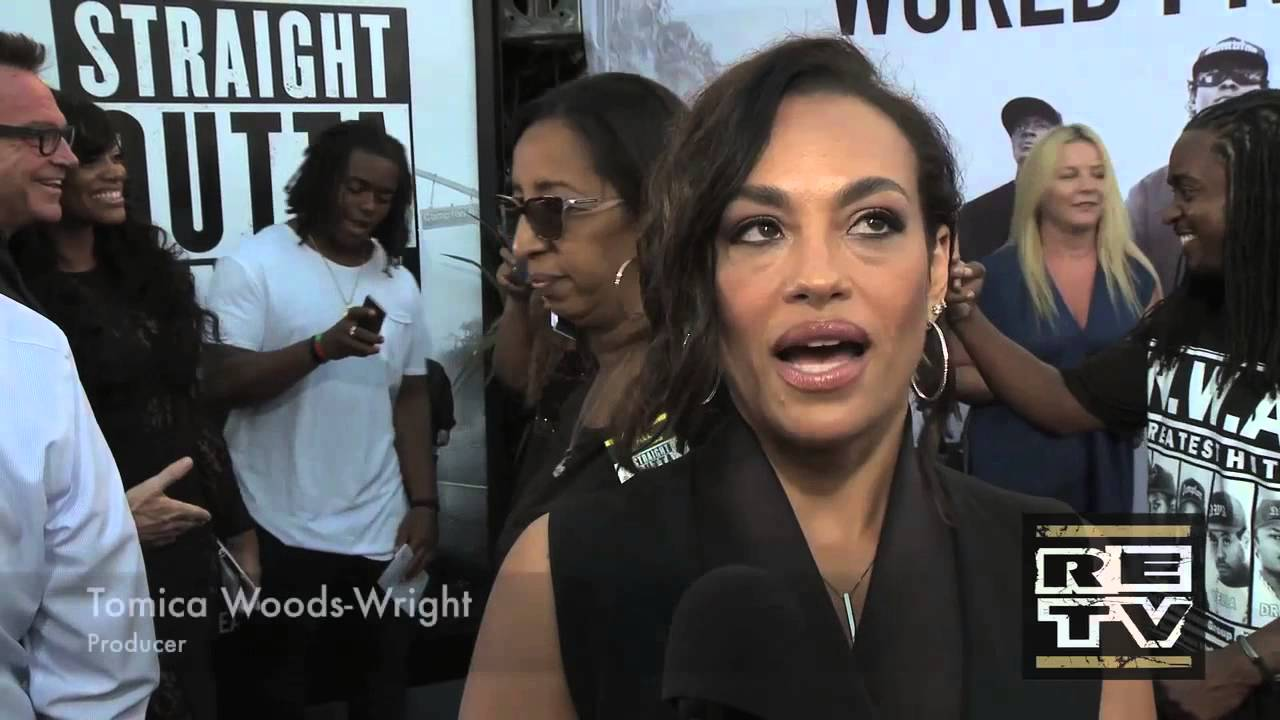 Straight outta compton tomica woods wright red carpet premiere - Re Features Straight Outta Compton Red Carpet