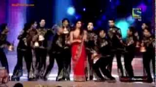 PRIYANKA CHOPRA PERFORMANCE IN UMANG 2015