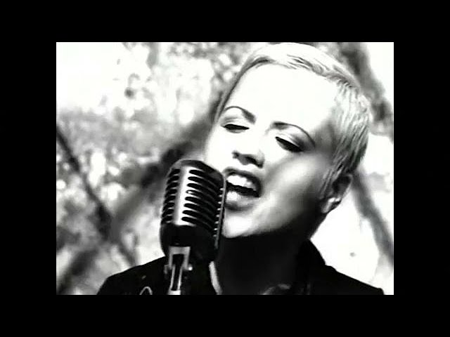 Tributes are paid to lead Cranberries singer Dolores O'Riordan